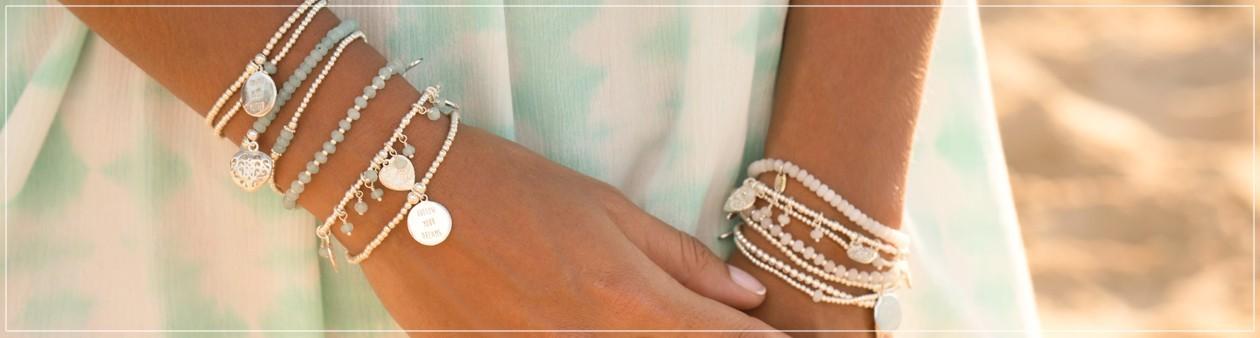 Filao, Bracelets en argent massif et pierres semi-précieuses.